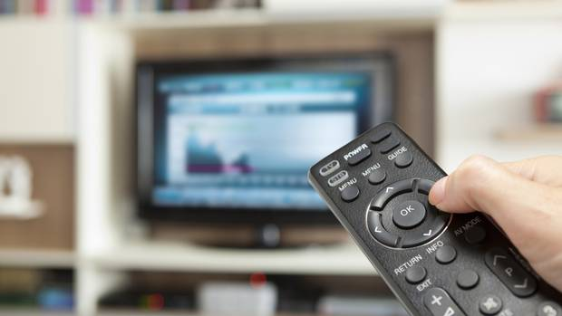 Young TV watchers may spend equal time on social media