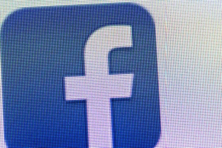 Facebook Offers Option Of Paying For Video Ads After 10 Seconds